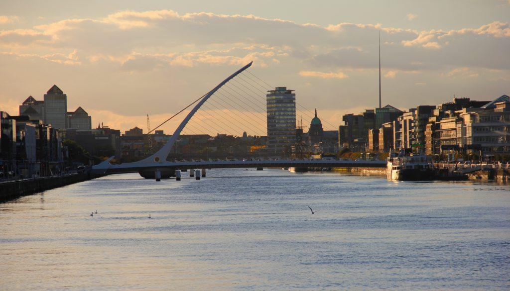 Какую визу оформлять для поездки в Ирландию