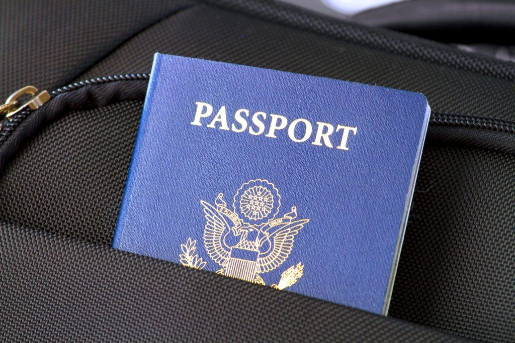 Выезд за границу с долгами - как проверить наличие долгов