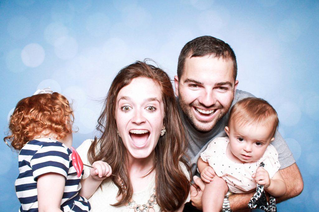 Как выехать за границу ребенку без родителей