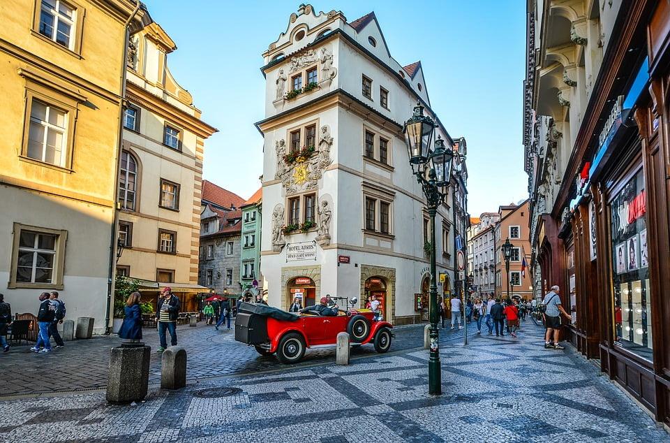 Изображение - Внж в чехии republic-square-prague-town-old-czech-car-hotel-2086967