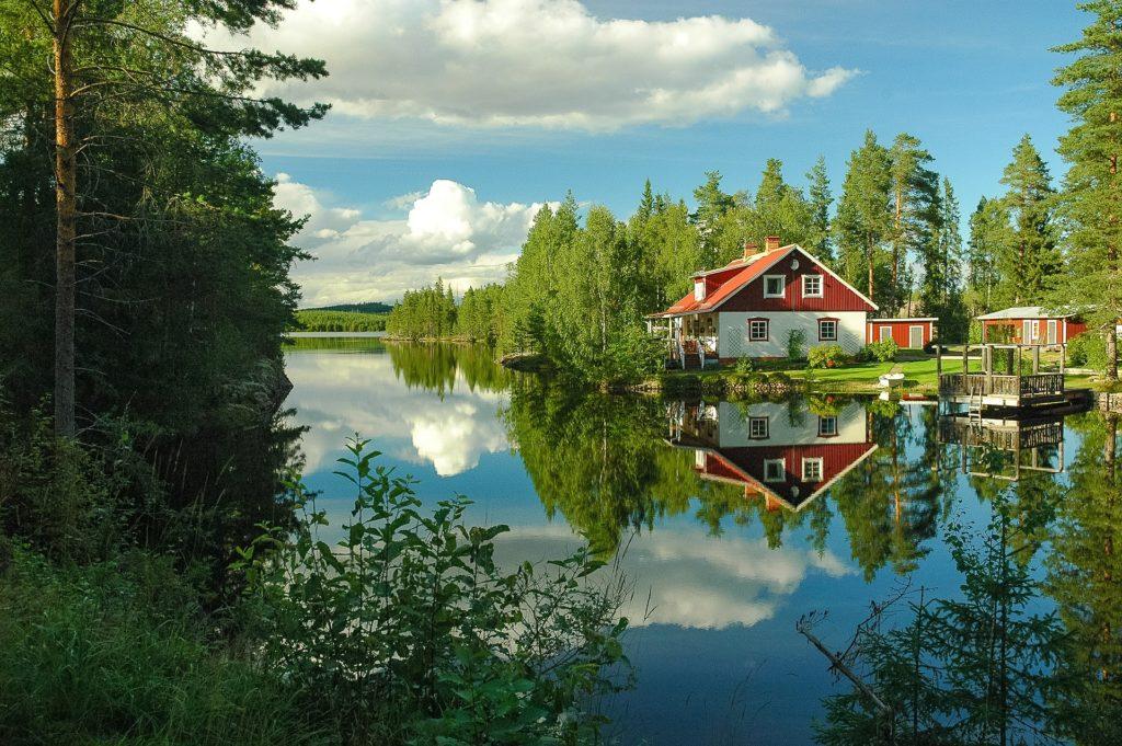 Изображение - Эмиграция в швецию house-606496_1920-1024x681