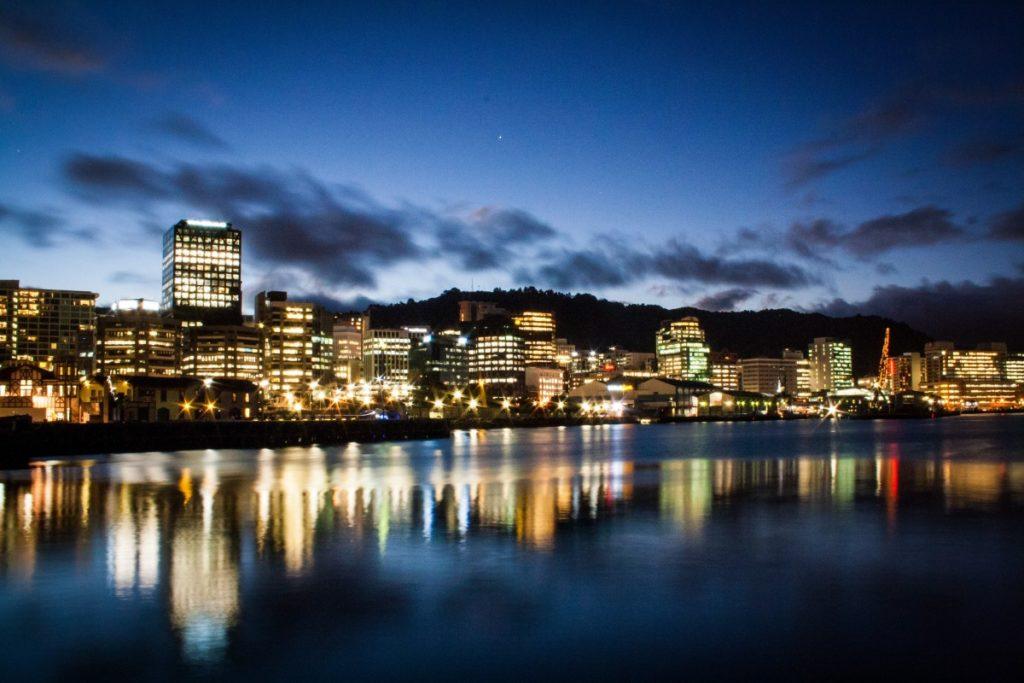 Изображение - Как получить гражданство новой зеландии new_zealand_wellington_port_booked_water_skyline_city_twilight-946286-1024x683