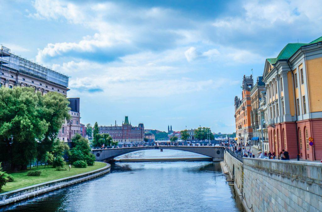 Изображение - Эмиграция в швецию stockholm-465834_1920-1024x675