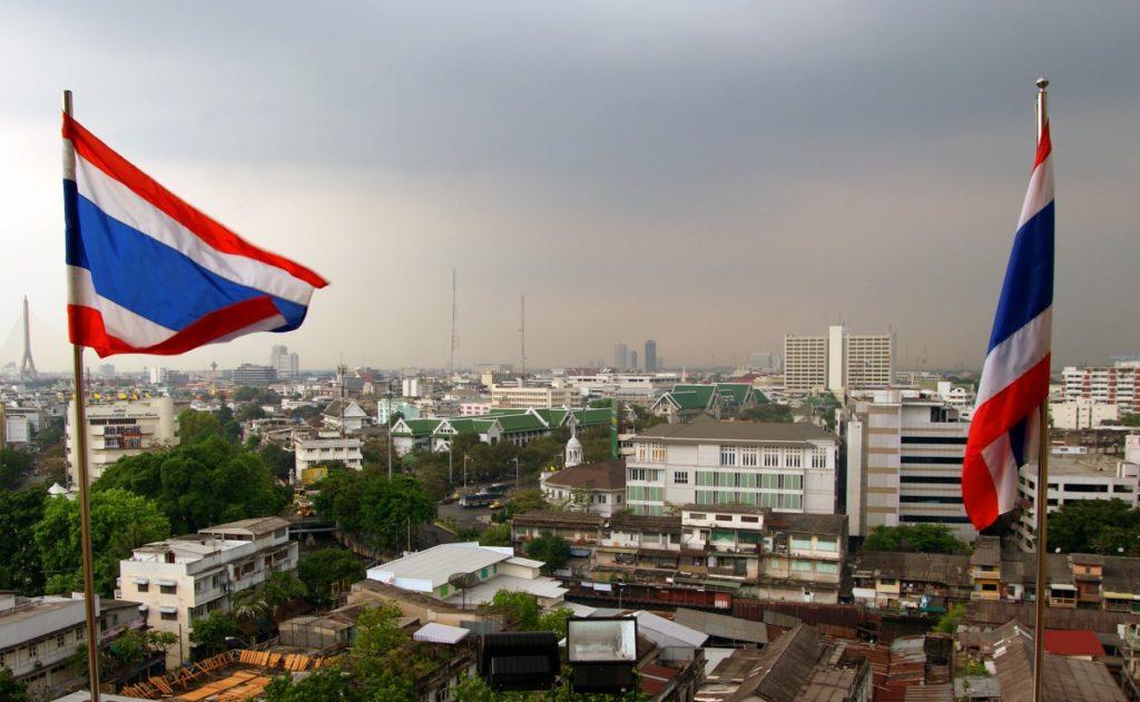 Изображение - Гражданство тайланда для россиян urban_skyline_thailand_asia_cityscape_bangkok_flag_sony-170168-1024x631
