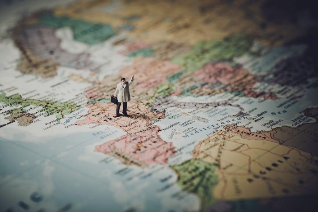 Изображение - Внж во франции adventure-blur-cartography-408503-1024x683