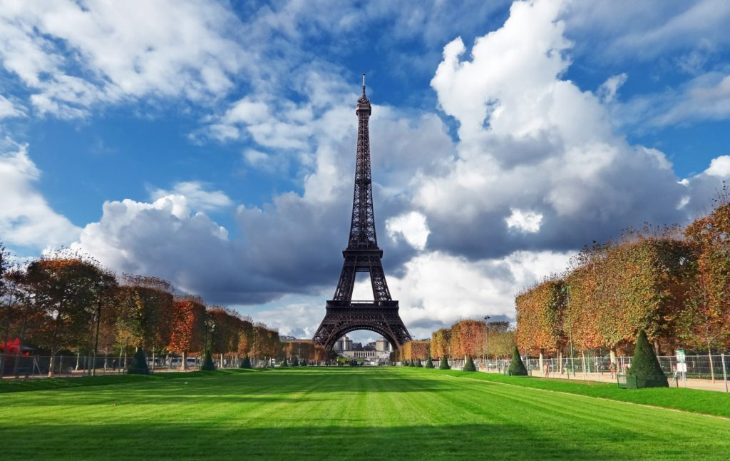 Изображение - Внж во франции tower-1950742_1920-1024x646